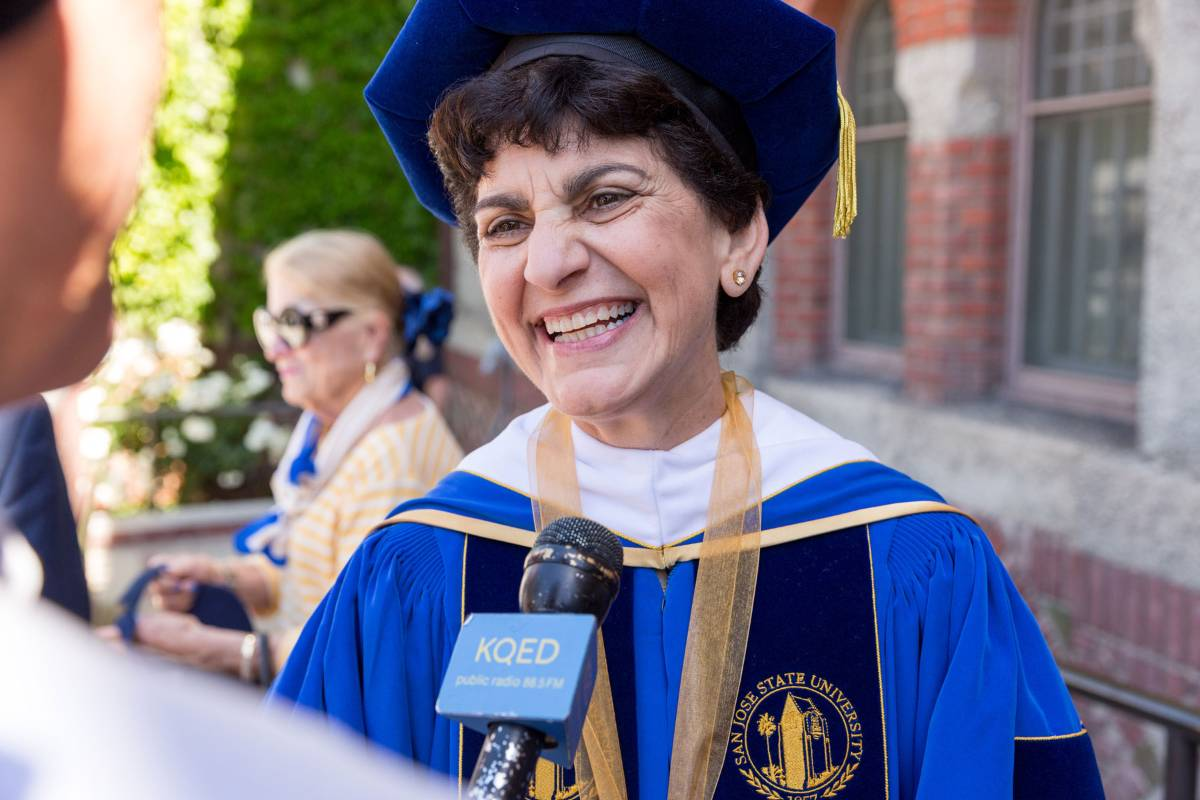 SJSU President Mary A. Papazian with students