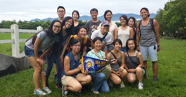 A group of students from the Taiwan Faculty Led Program