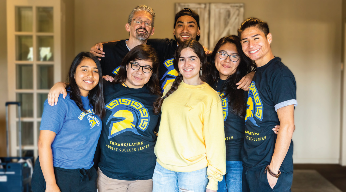 Smiling group of SJSU Chicanx/Latinx students