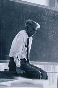 biography ernesto galarza Ernesto galarza (1905-1984) was a labor organizer, historian, professor, and community activist when he was eight, he migrated from jalcocotan, nayarit, mexico, to sacramento, california.