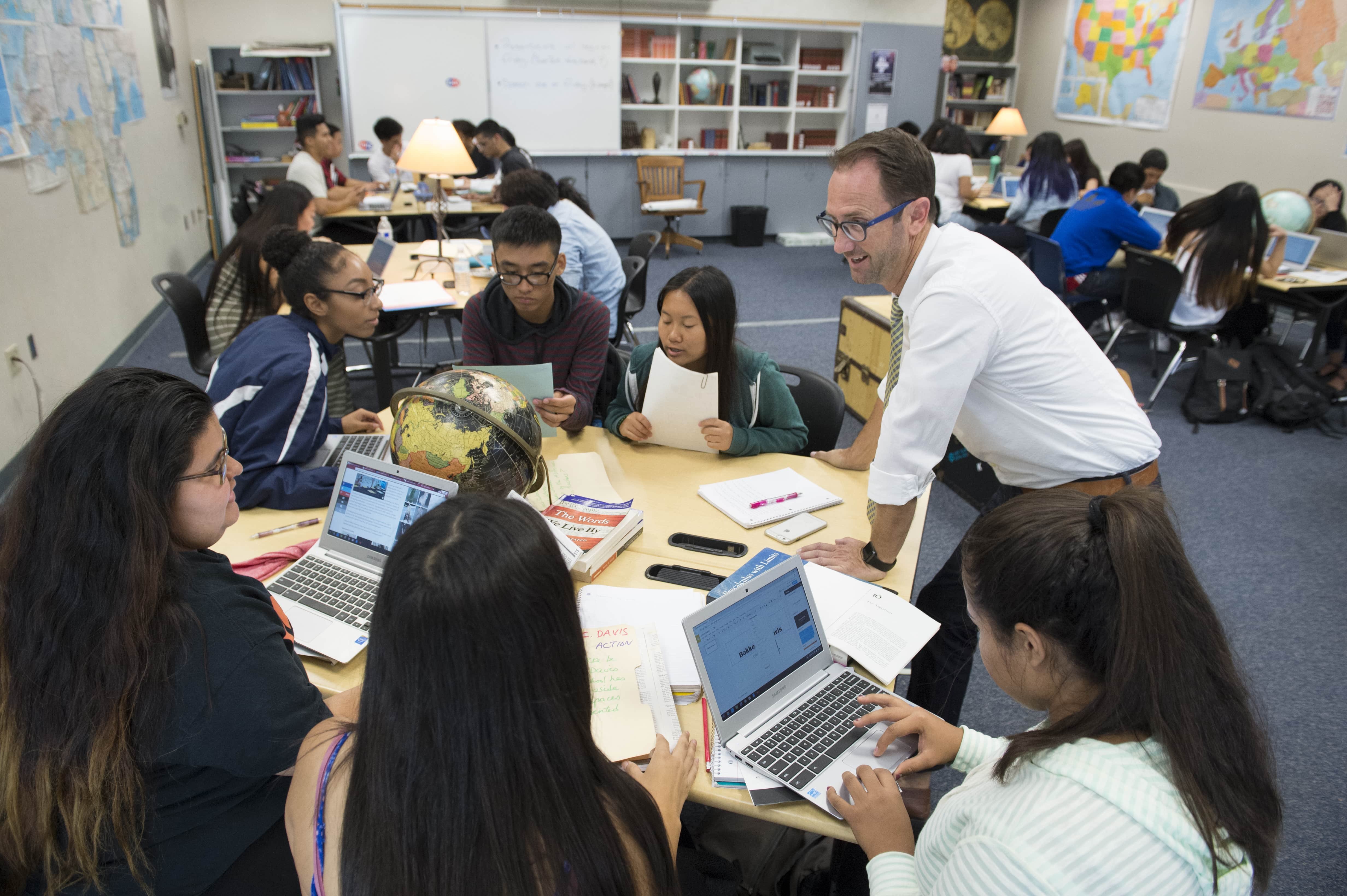 SJSU Lurie College Alumni Teaching in the Classroom