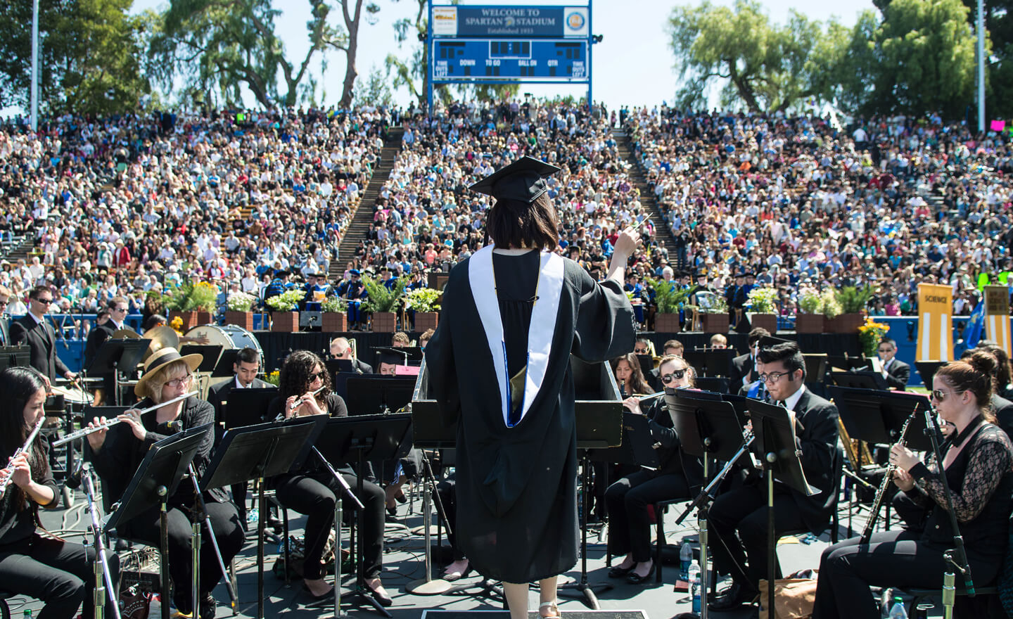sjsu music students perform during commencement.