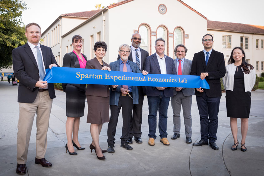 Ribbon cutting for the new Spartan Experiemental Economics Lab.