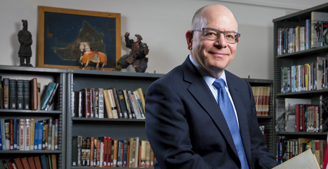 SJSU History Professor Jonathan Roth received the 2019 Distinguished Service Award