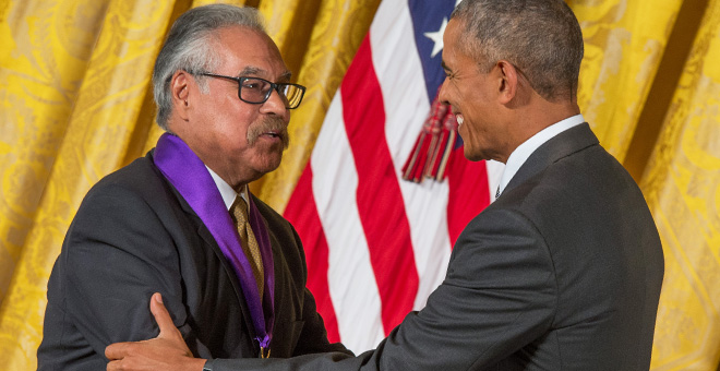 Luis Valdez shakes hands with President Obama at The White House