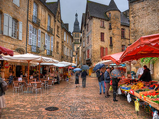 Rainy Marché in Sarlat-la-Canéda, France